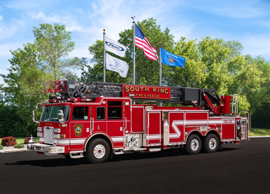 Ladder 64 Delivery Photo June 2018