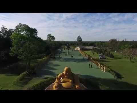 Filmagem com drone pelo bairro Cognópolis e Templo Budista de Foz do Iguaçu
