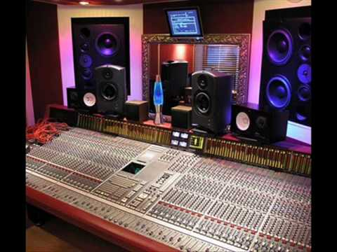 Studio Praise Break