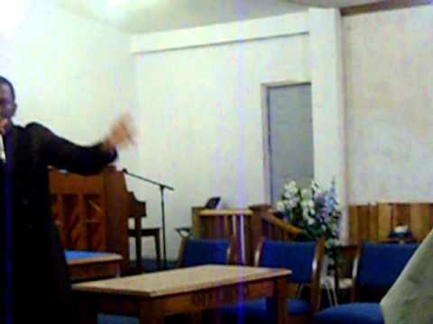 devish wiggins singing walk with me LORD at maple grove homecoming october 1, 2010 001.avi