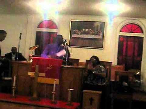 DEVISH WIGGINS PREACHING AT ST JOHN 2009(CLOSING).wmv