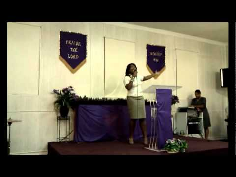 Evangelist Carla Martin @ The 2011 iPRAISE Experience