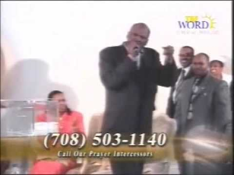 Donnie McClurkin Testifies about Pastor Angie Ray