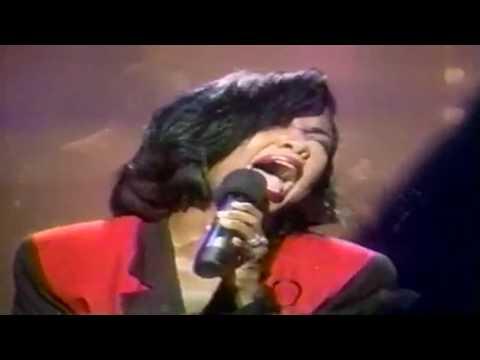 "BeBe & CeCe Winans--""Addictive Love""--(Live)"