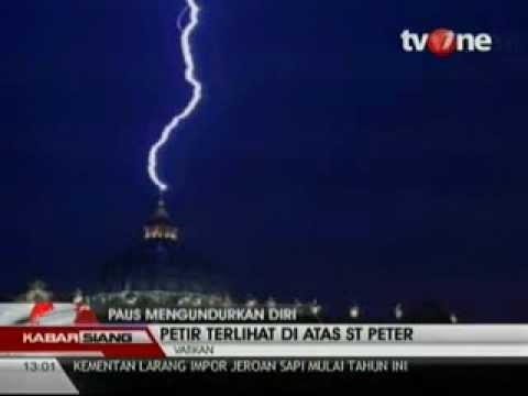 Petir Belah Langit Vatikan Pasca Pengunduran Diri Paus Benedictus XVI