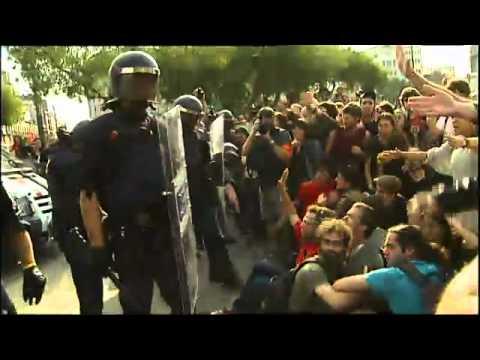 Indignats | Desallotjament de la Plaça Catalunya