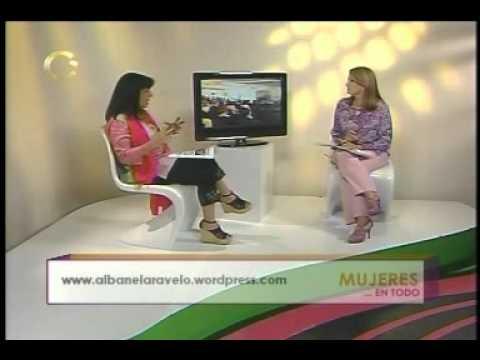 "Segmento de ""Mujeres en Todo"" Entrevista a Albanela Ravelo 5 de junio 2012"