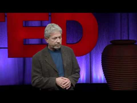 "Louie Schwartzberg: ""The hidden beauty of pollination"""