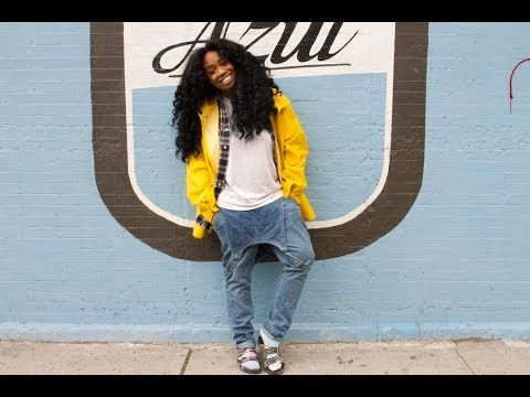 Dailies: Embracing Her Freckles & Her Authentic Self - SZA