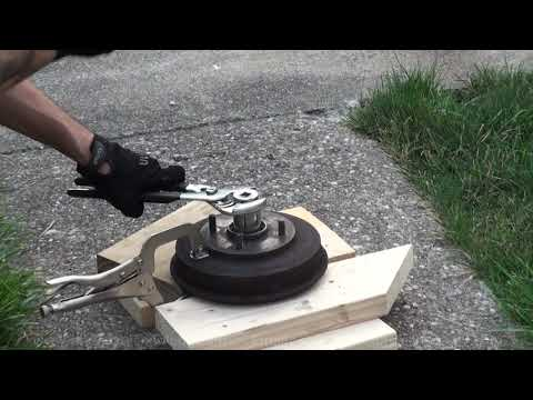 HHO Gas Fire Removing The Wheel Bearing From A Brake Drum 8-13-2017