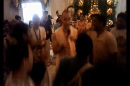 Advaita Acarya Dasa Leads Kirtan in Houston on Janmastami 2011