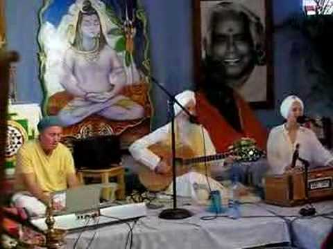 WE are the people - the people of LOVE (Snatam Kaur)