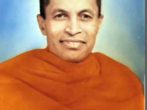 Swami Sahajananda speaks to young women  6 of 6