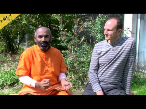 Yoga Video:  Swami Tattvarupananda on an interview (excerpt) about Yoga Vidya