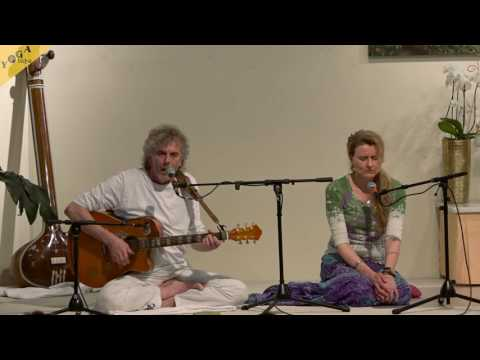 Mantra Serve Love Give chanted by Harry and Birgit