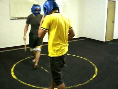 Heyrosa De Cuerdas Eskrima Training - Following Christian part 1