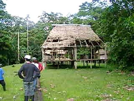 Lodge Abondoned / Lodge Abandonné / Lodge Abandonado