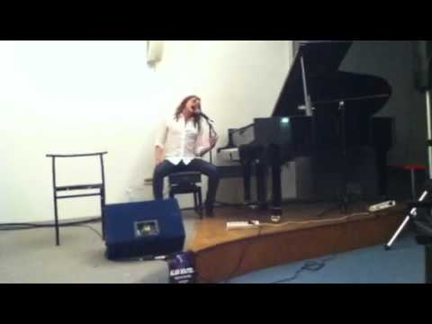 """Alan Bonner """"Back to black"""" (Amy Winehouse Cover) Live in Italy Oct 2011"""