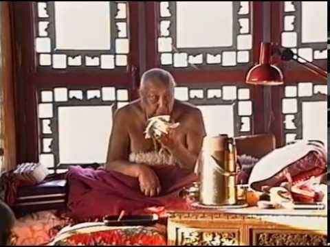 Brilliant Moon - Glimpses of Dilgo Khyentse Rinpoche (full documentary)