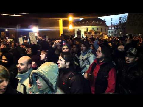 Protest Gorila - Bratislava - protivladna demostracia SNR - anti-government demonstrations.m2t