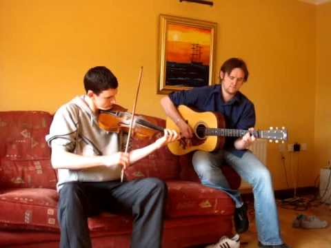 Irish trad reels on fiddle and guitar