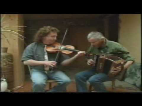 Frankin Gavin Fiddle & Máirtín O'Connor ~ ♥ ♥ ♥ The Darling Girl From Clare ♥ ♥ ♥