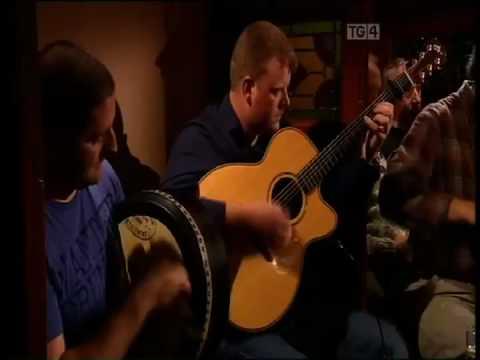 John McCartin, Tommie Cunniffe, Mossie Martin, Sean Ward, Liam Cryan Geantrai Irish Guitar DADGAD