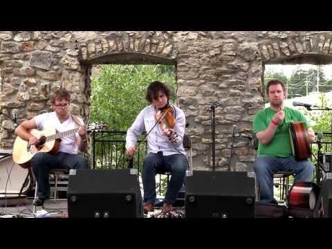 NUA - Happy Cammy Drammy Birthday (Live at the Mill Race Folk Festival 2013)
