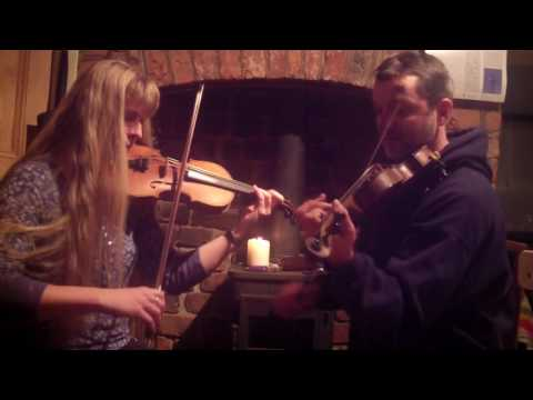 Fiddle Duo Play Hornpipes for Whitby Folk Week Tunesday December 2016