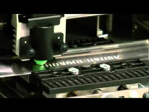 Démo : MPX-90 gravure sur épée