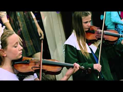 Lee Matthews - There's Irish In Our Eyes (Official Music Video)