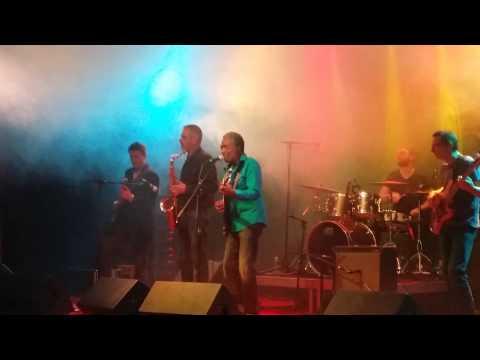Duff en concert avec Donald Kinsey