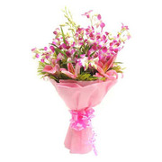 Send Flowers on Valentine Day in India | Valintines Day Gift Same Day Delivery