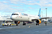 Air Transat C-FTXW A321 YVR