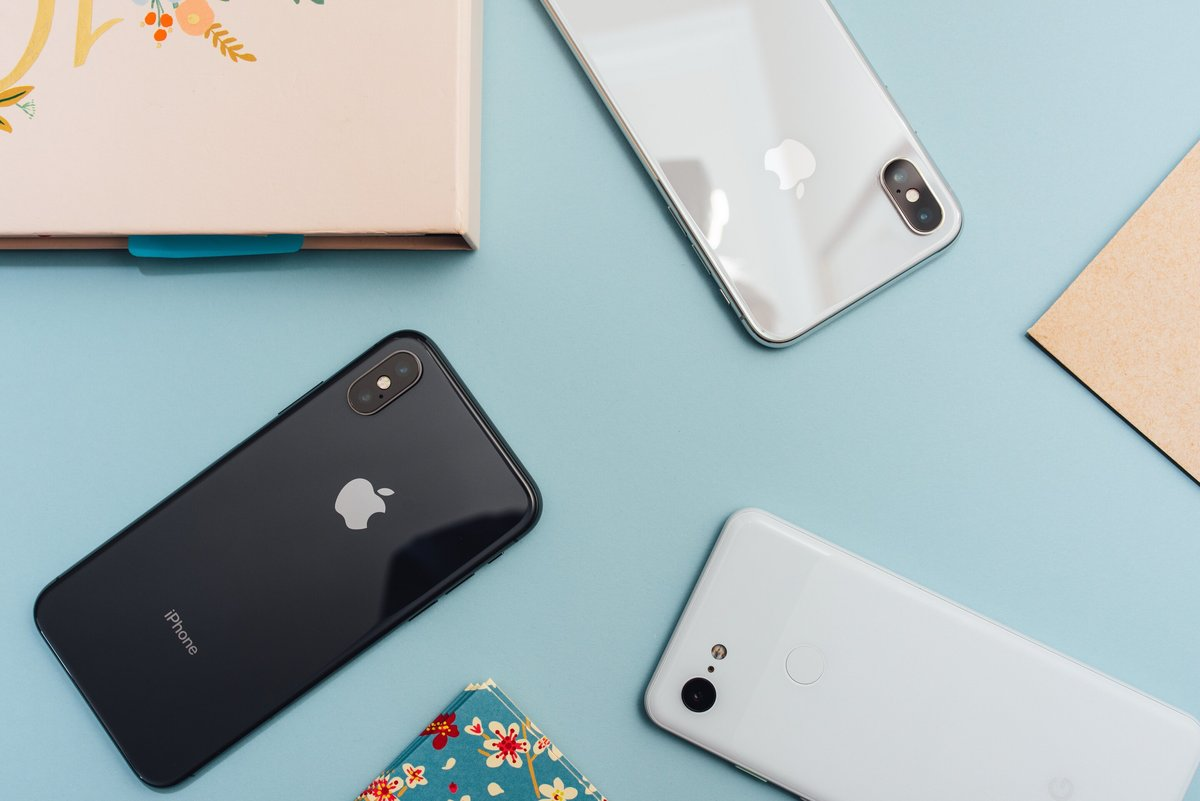 Apple to issue hackable iPhones