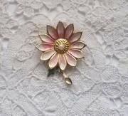 Vintage flowere enamel brooch