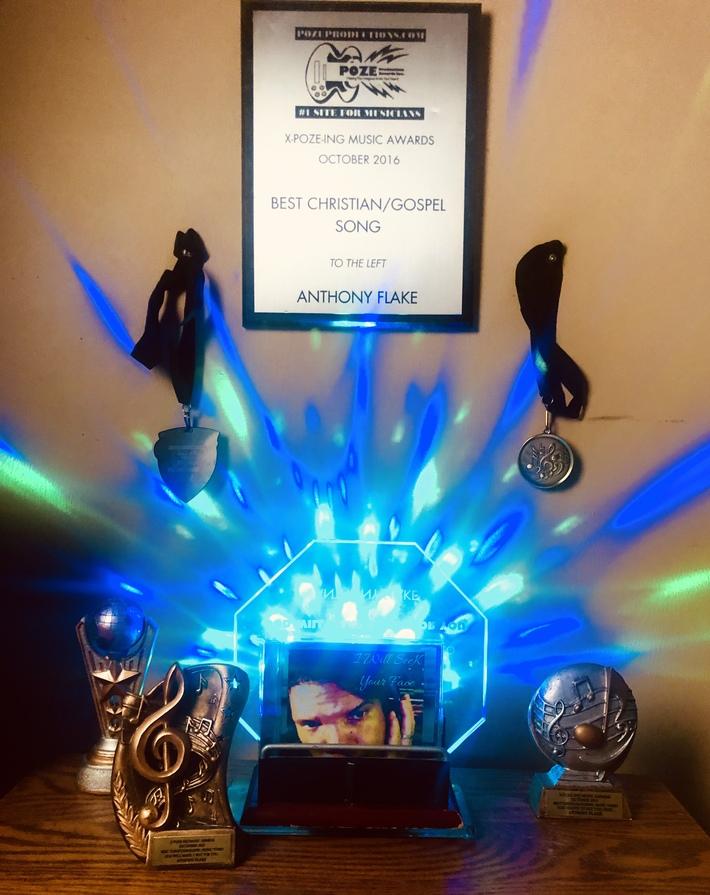 Poze Awards