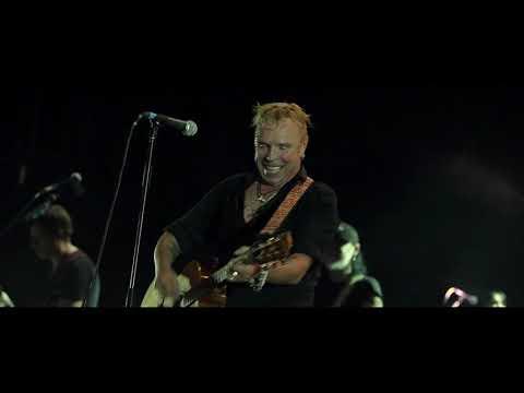 Гарик Сукачев и Бригада С - Песня вольного стрелка (Бэлла Чао!) (Концерт в YotaSpace)