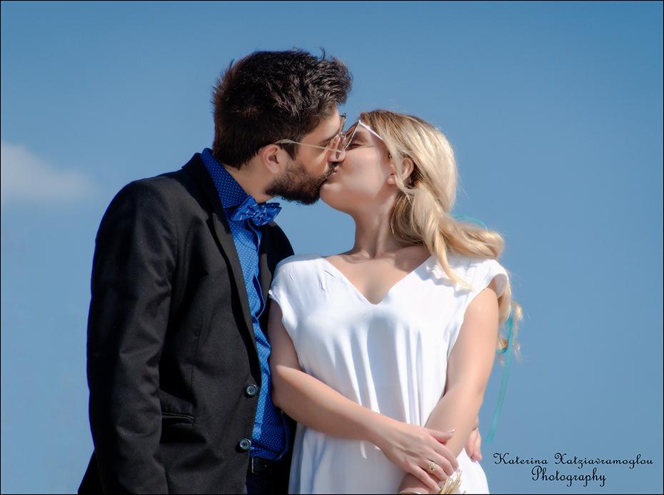 Ένας σκηνοθετημένος γάμος ( 5 )