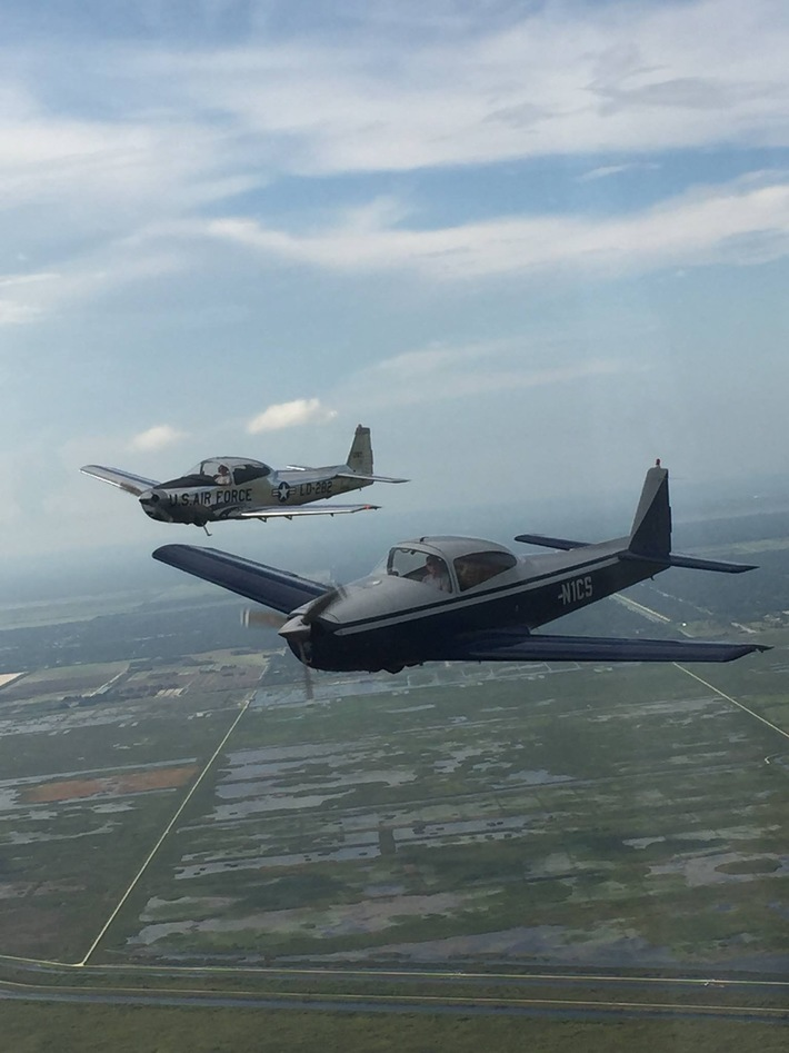 Navion 5382K and 1CS in formation