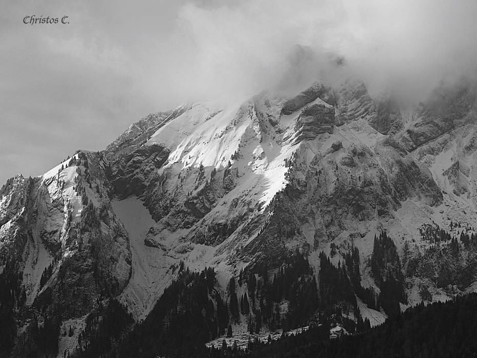 Mountain Peaks Sprinkled With Powdered Sugar/Βουνοκορφές Πασπαλισμένες Με Ζάχαρη Άχνη...