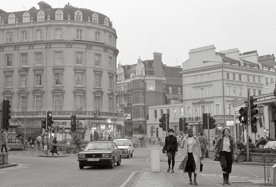 LONDON BW