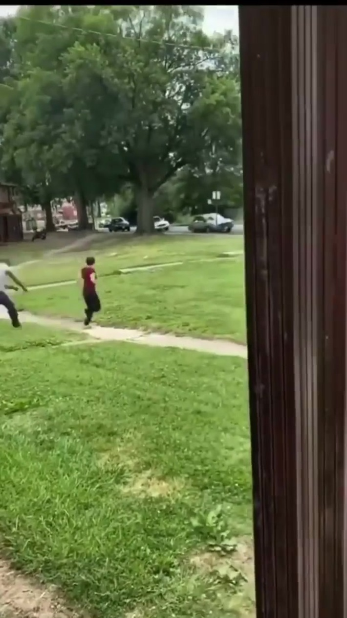 Guy gets beat up for hitting a woman