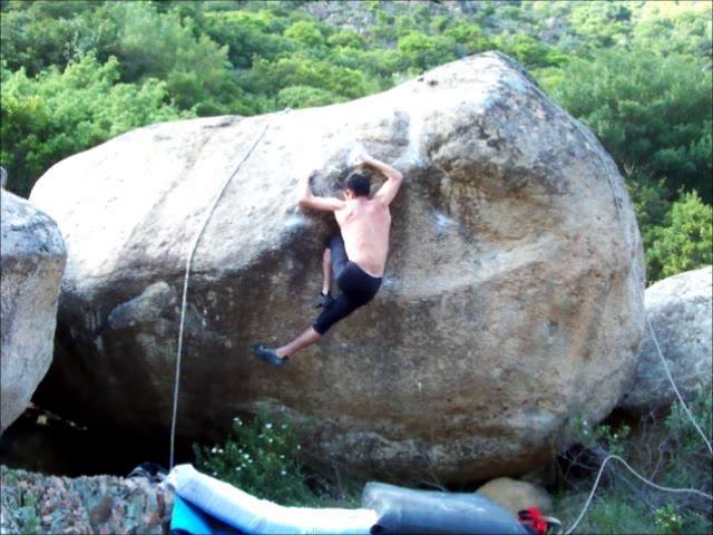 Bouldering in Rio Cannas, Sardegna