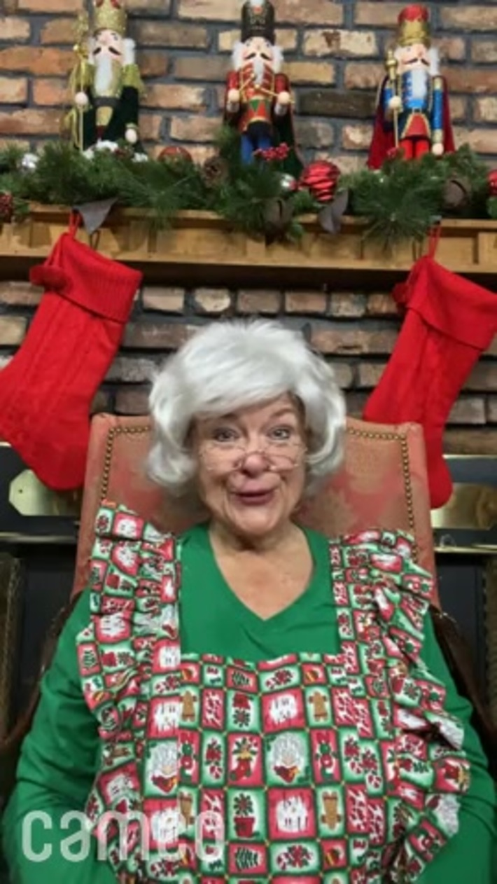 MRS. SANTA CLAUS wishes the COSTA RICA'S CALL CENTER Ticos a Merry Christmas.