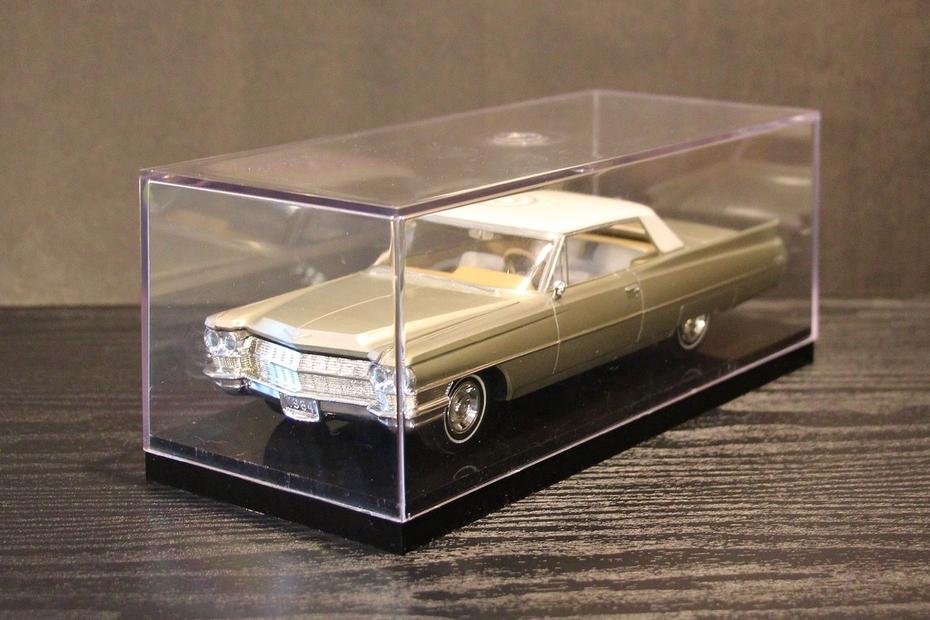 Jason Edge 1964 Coupe de Ville Model Car -2