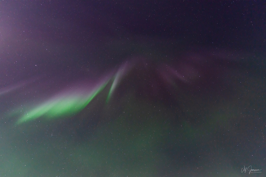 Norrsken med Corona över Gussö-observatoriet