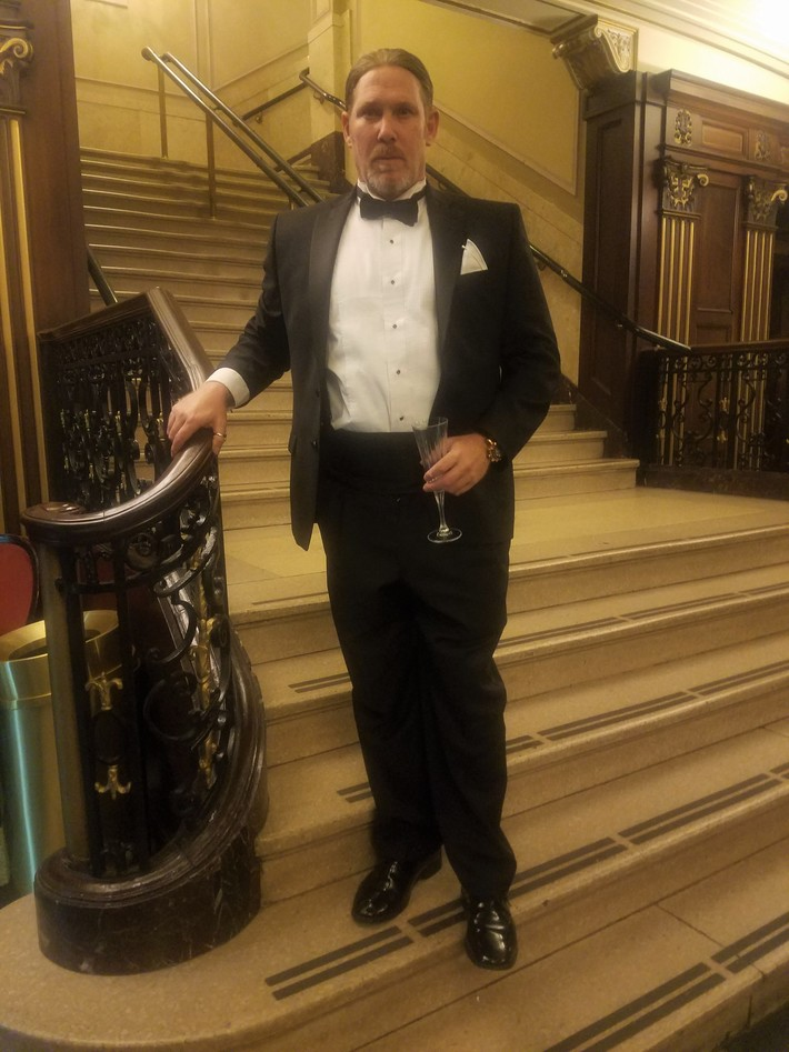 Tuxedo on the gran staircase