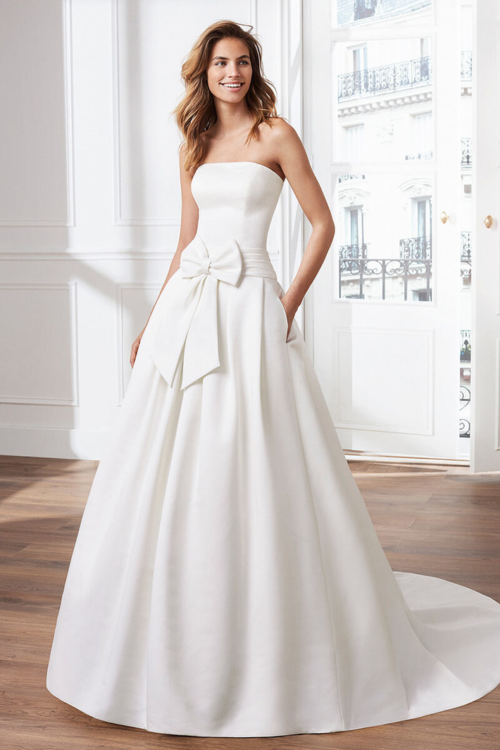 e91d887563c Choosing a bridal gowns takes considerable amount of time ranging from few  days to few months. It requires more amount of time and attention while  choosing ...