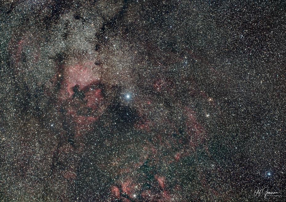 Cygnus-området med NGC 7000 och Deneb mm.
